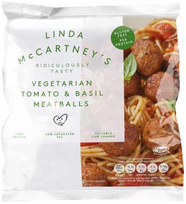 Albóndigas veganas hechas con proteína de guisante de textura rehidratada, puré de tomate y albahaca.